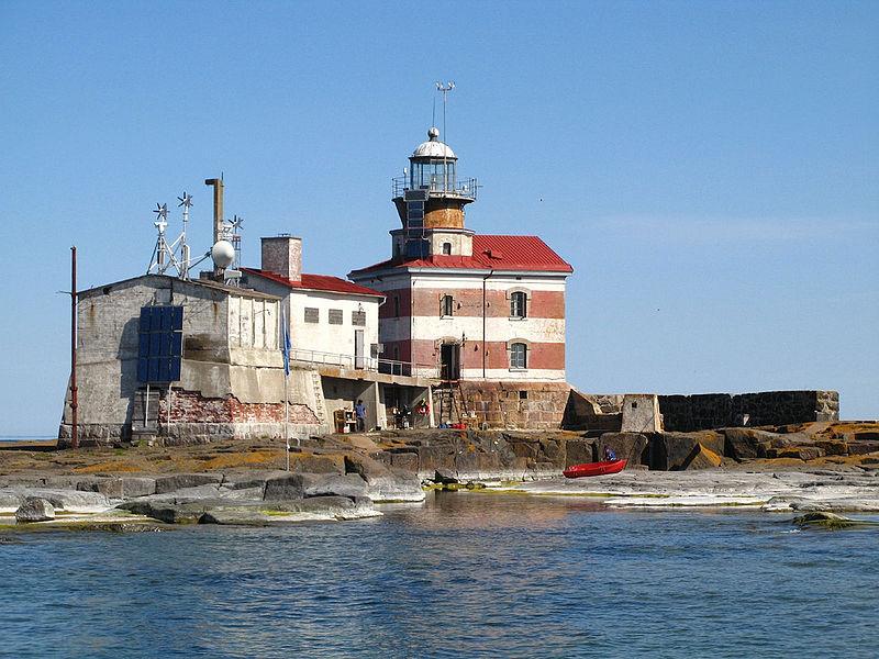 800px-Märket_Lighthouse,_Finland_IMG_3374[1]